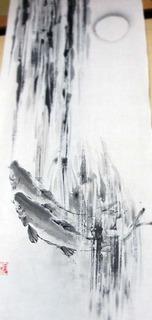 滝に鯉.jpg